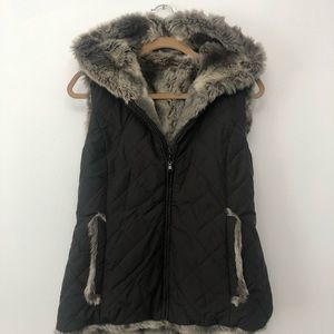 Reversible Faux Fur Puffer Vest size Small